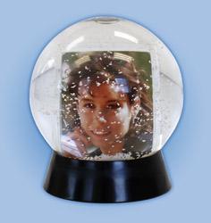 Crystal Ball Snow Globe