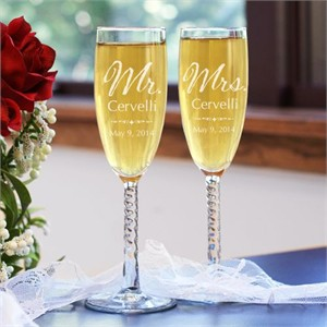 Personalized Mr and Mrs Wedding Champagne Flutes