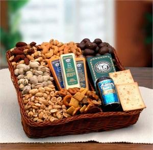 Snacker's Delight Nut & Snack Tray