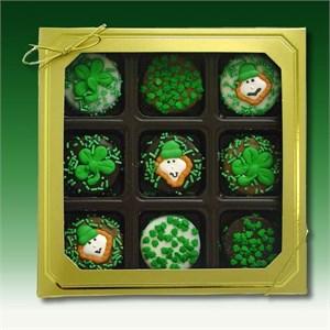 St. Patrick's Day Chocolate-Dipped Oreos
