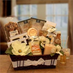 Vanilla Essence Candle Gift Basket