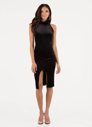 Oh Slit Turtleneck Velvet Midi Dress