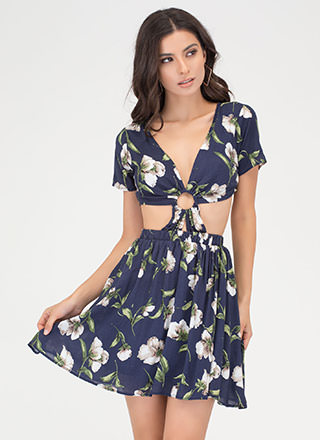 Ring Of Flower Cut-Out Floral Dress