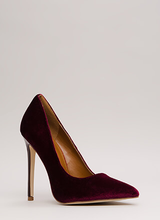 Simply Stunning Pointy Velvet Pumps