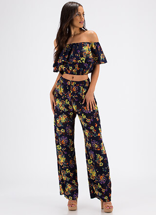 Great Gardens Floral Top And Pant Set