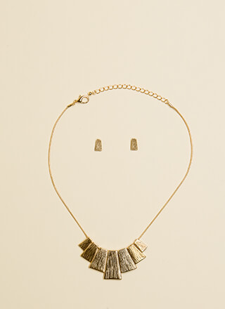 Step Up To The Plate Necklace Set