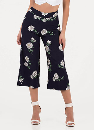 Throw Flowers Cropped Palazzo Pants