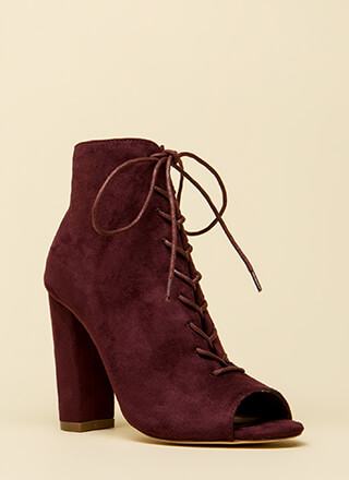 Hi Fashion Chunky Lace-Up Booties