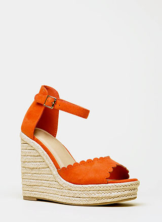 Cutie Patootie Scalloped Wedges