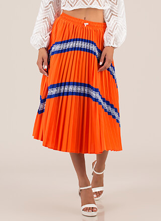 Que Linda Pleated Lace Trim Skirt