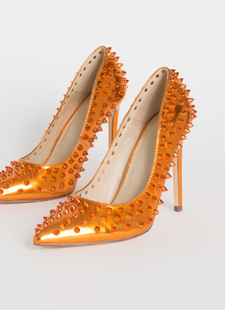Spike Your Pose Pointy Studded Pumps