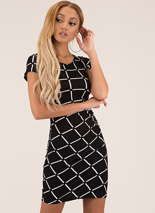 Chain-Linked In Grid Print Dress