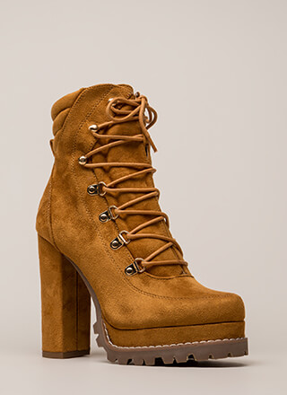 Werk-Related Chunky Platform Booties