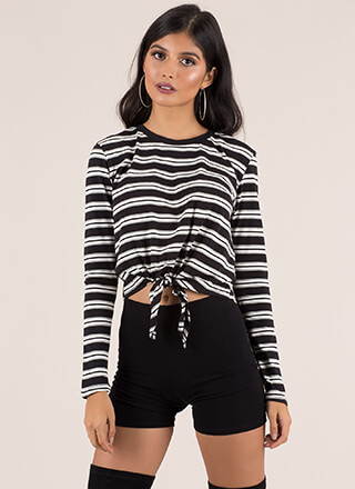 Just Relax Knotted Striped Crop Top