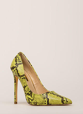 Reptile Crossing Pointy Faux Snake Pumps