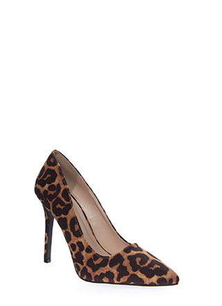 All Signs Point To Leopard Print Pumps
