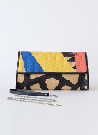 Giraffe Sighting Oversized Woven Clutch