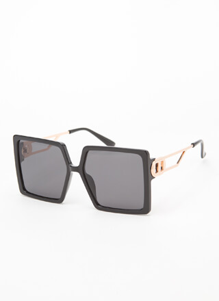 De-Luxe Oversized Square Sunglasses