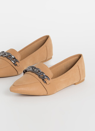 Got Edge Pointy Chain Strap Loafer Flats
