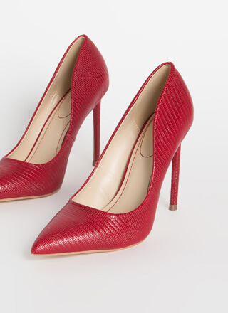 Leaping Lizards Pointy Reptile Pumps