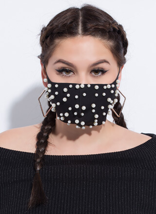 Pure Elegance Faux Pearl Face Mask
