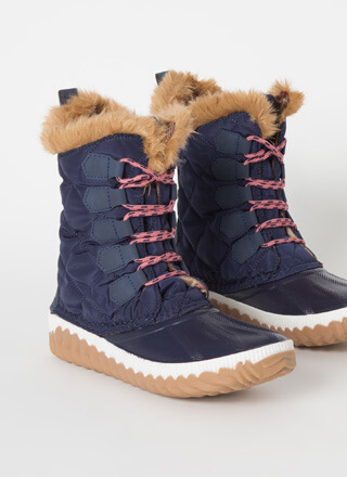 Outdoorsy Quilted Fur-Trimmed Duck Boots