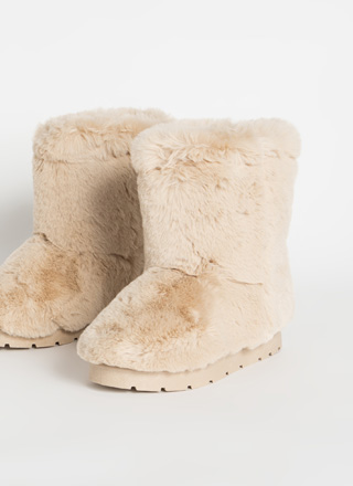 Cold Comfort Short Chunky Faux Fur Boots