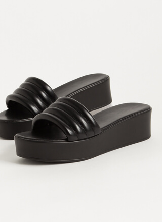 It's Easy Padded Platform Slide Sandals