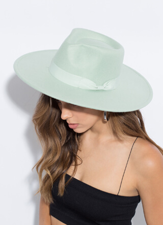 Bow Your Own Way Felted Wide-Brim Fedora