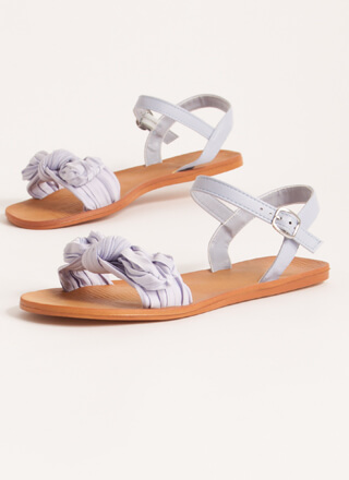 Bow You Knotted Pleated Sandals