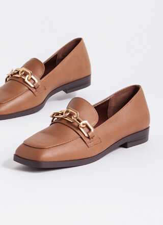 Make Connections Chain Accent Loafers