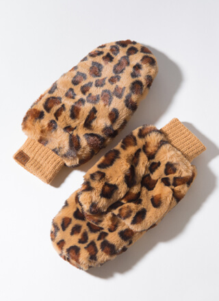 Out In The Wild Furry Leopard Mittens