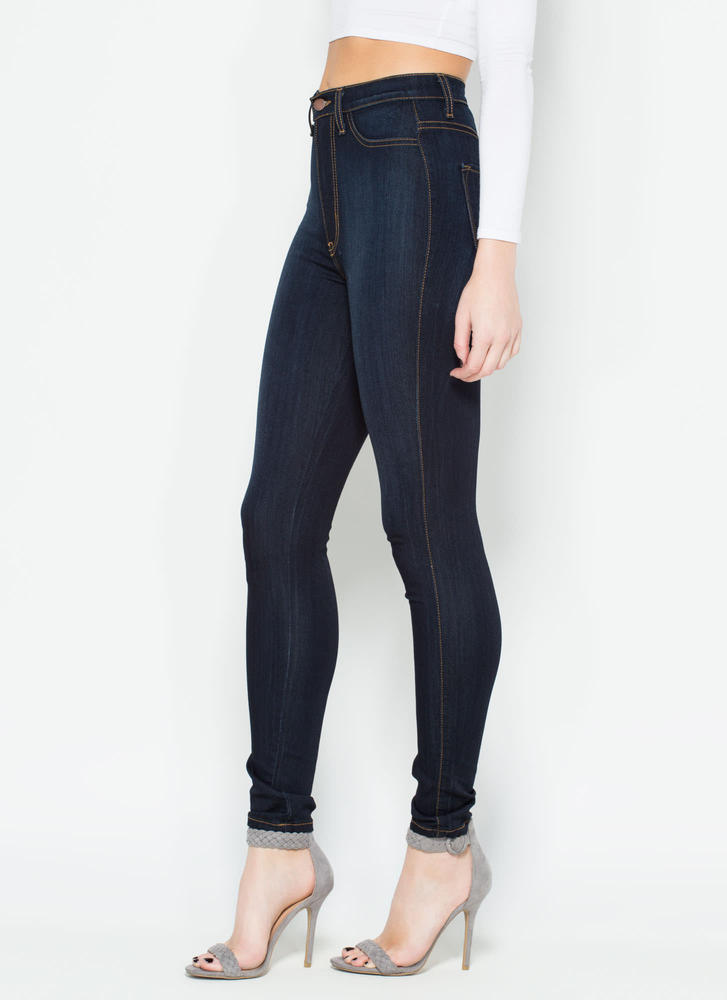 Perfectly Basic High-Waisted Jeans DKBLUE