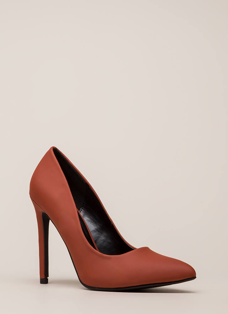 A-Game Pointy Faux Leather Pumps BRIGHTORANGE