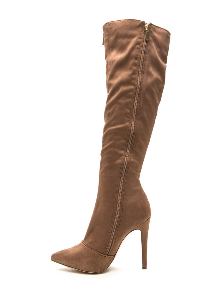 On A Diagonal Pointy Zip-Up Boots TAUPE