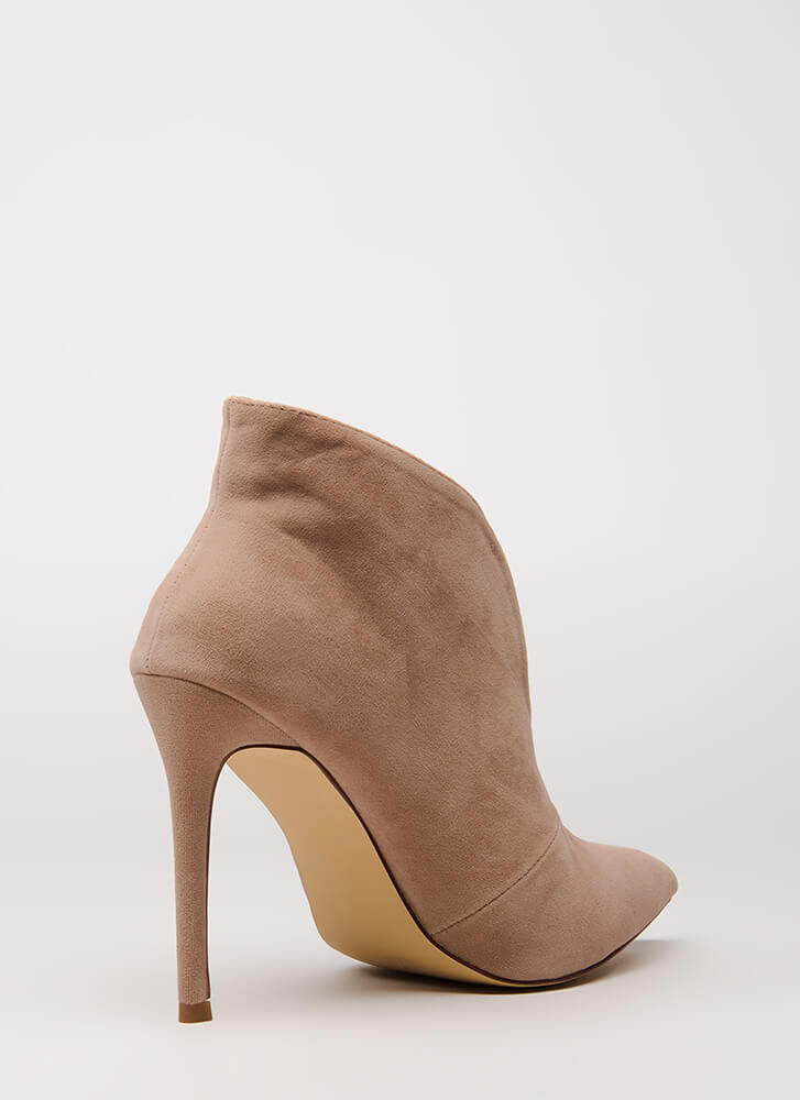 Sleek Up On You Pointy Velvet Booties NUDE