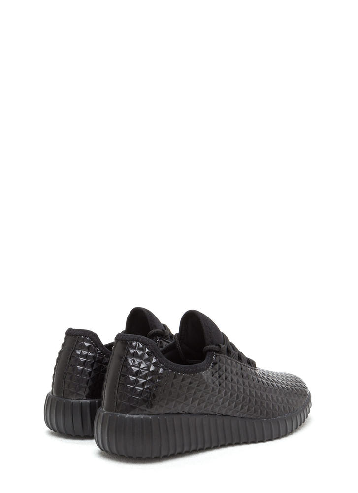 Trek The Pyramids Textured Sneakers BLACK