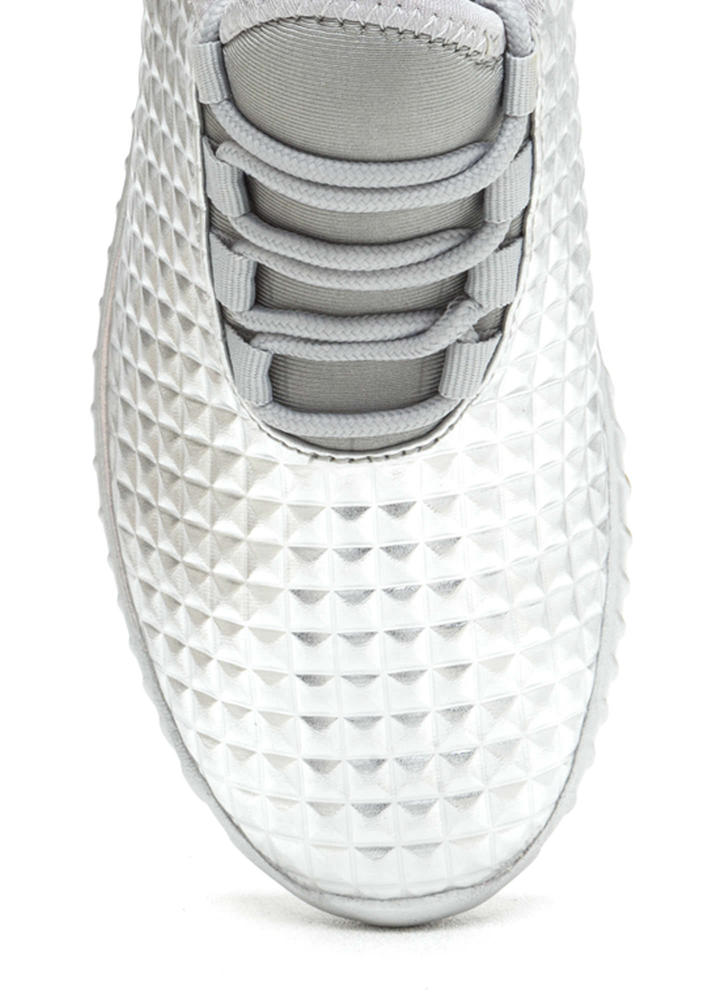 Trek The Pyramids Metallic Sneakers SILVER