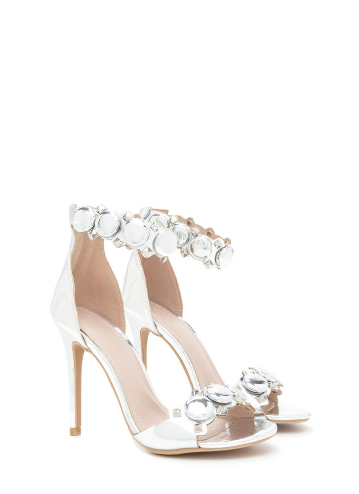 Circle The Stud Faux Patent Heels SILVER