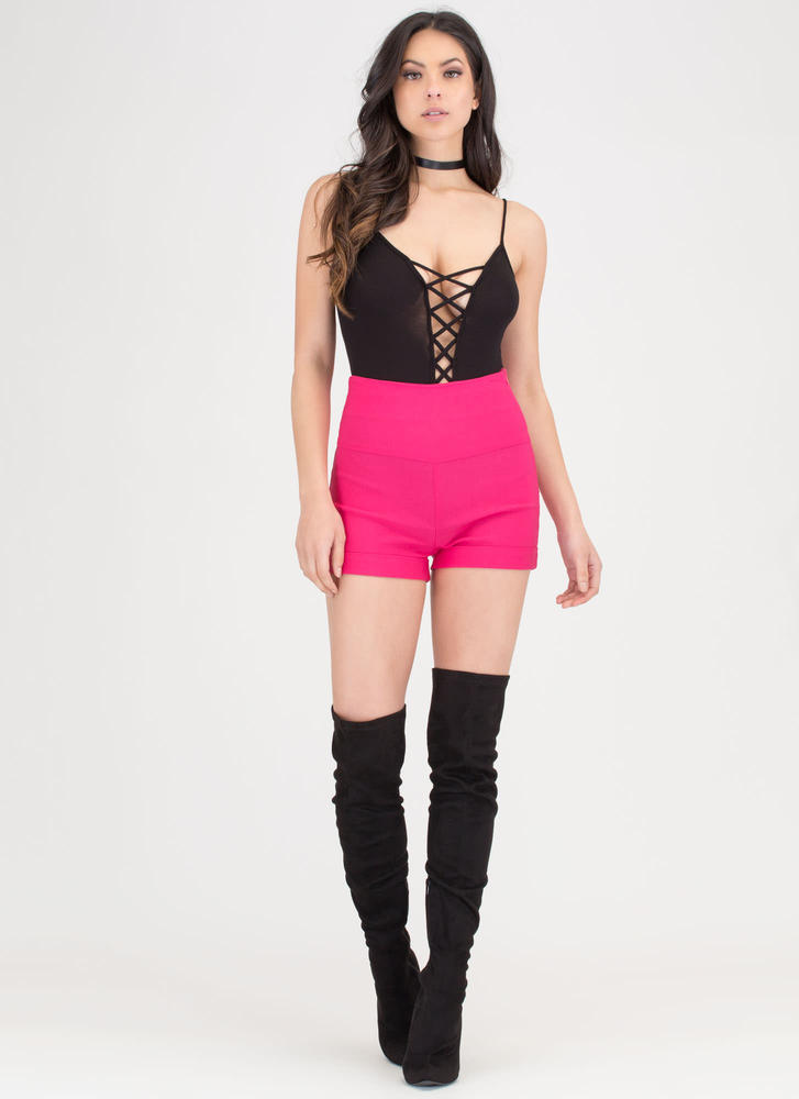 On A High-Waisted Cuffed Shorts FUCHSIA