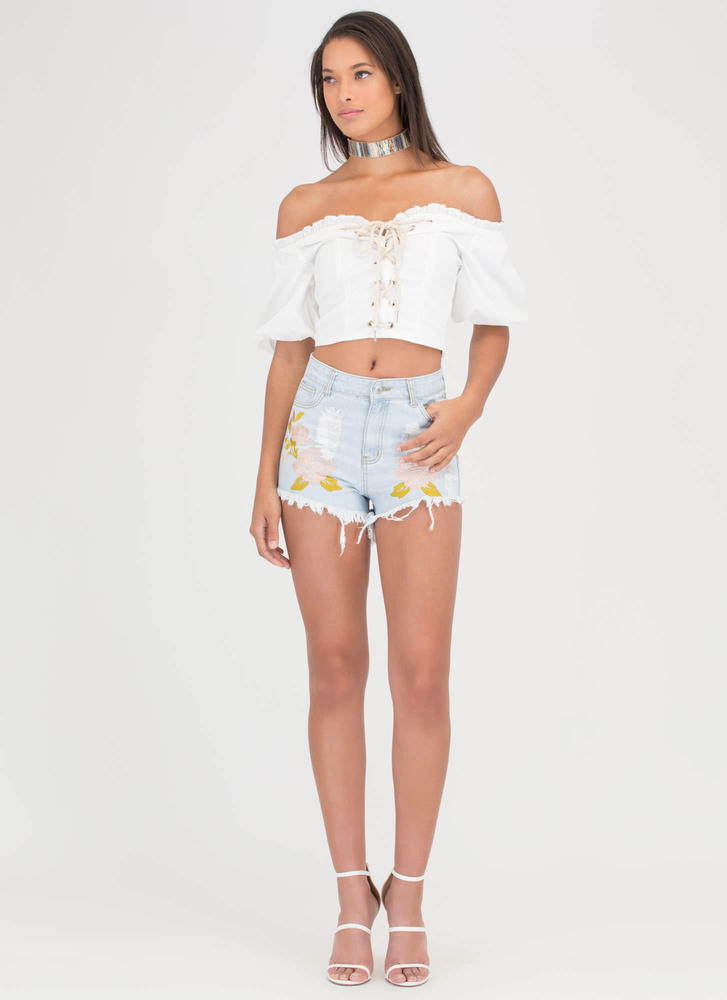 Blossoming Embroidered Jean Shorts LTBLUE