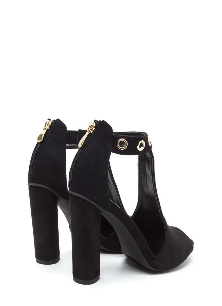 Hole-some Cut-Out Chunky Heels BLACK