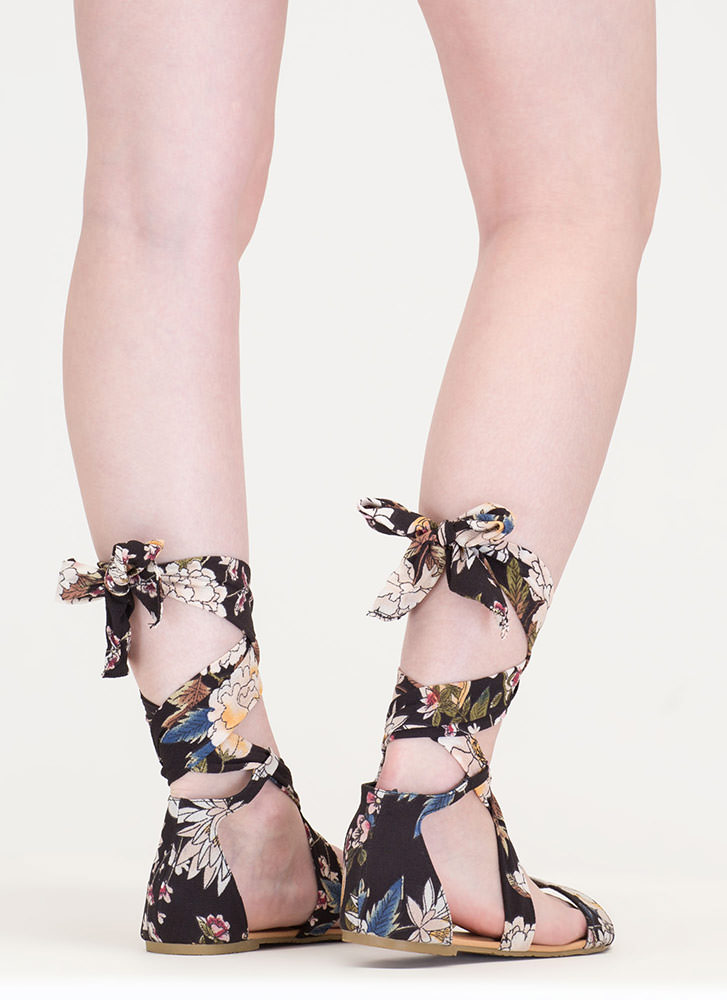 More Flower To You Lace-Up Sandals BLACK