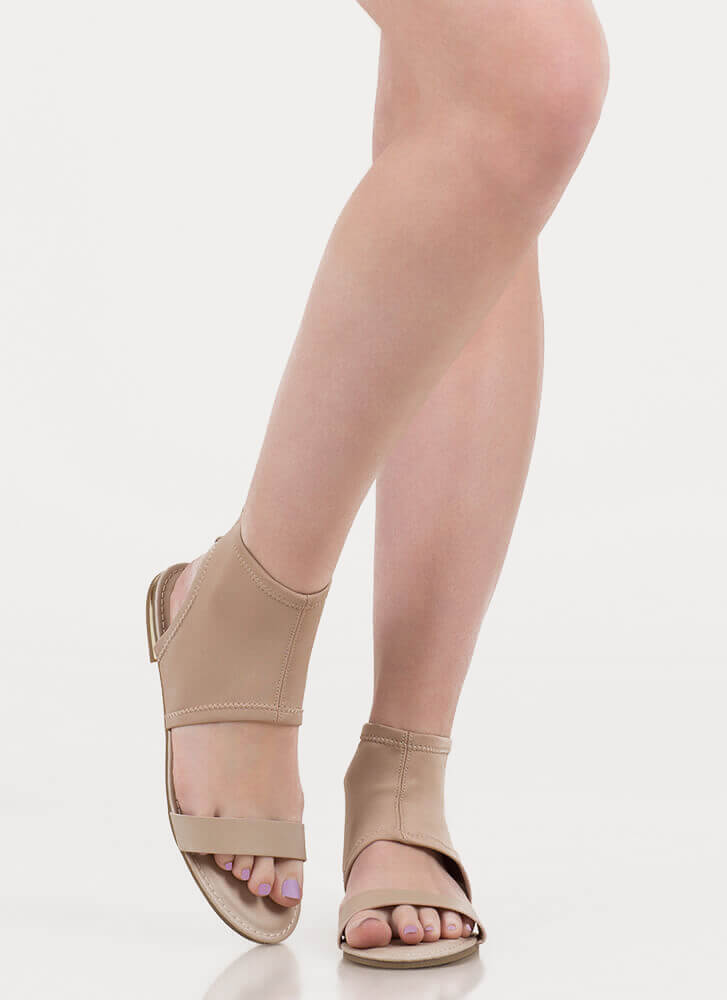 Minimal Sophistication Cut-Out Sandals NUDE (You Saved $13)