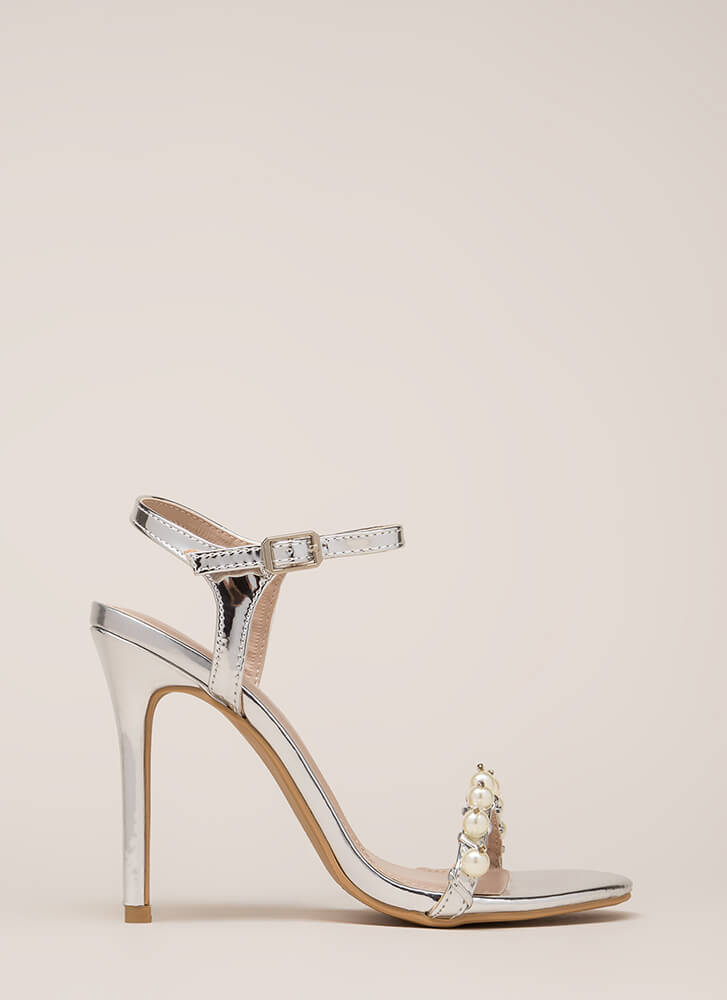 Diving For Pearls Metallic Heels SILVER