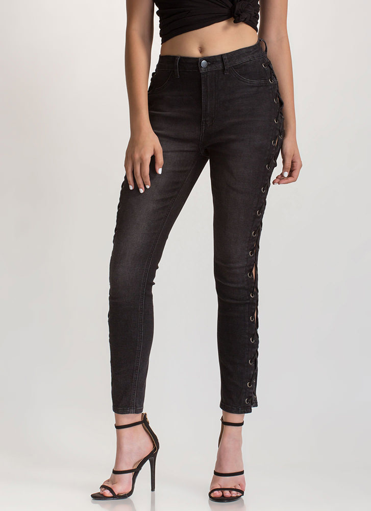 Trendy Peek Lace-Up Skinny Jeans BLACK