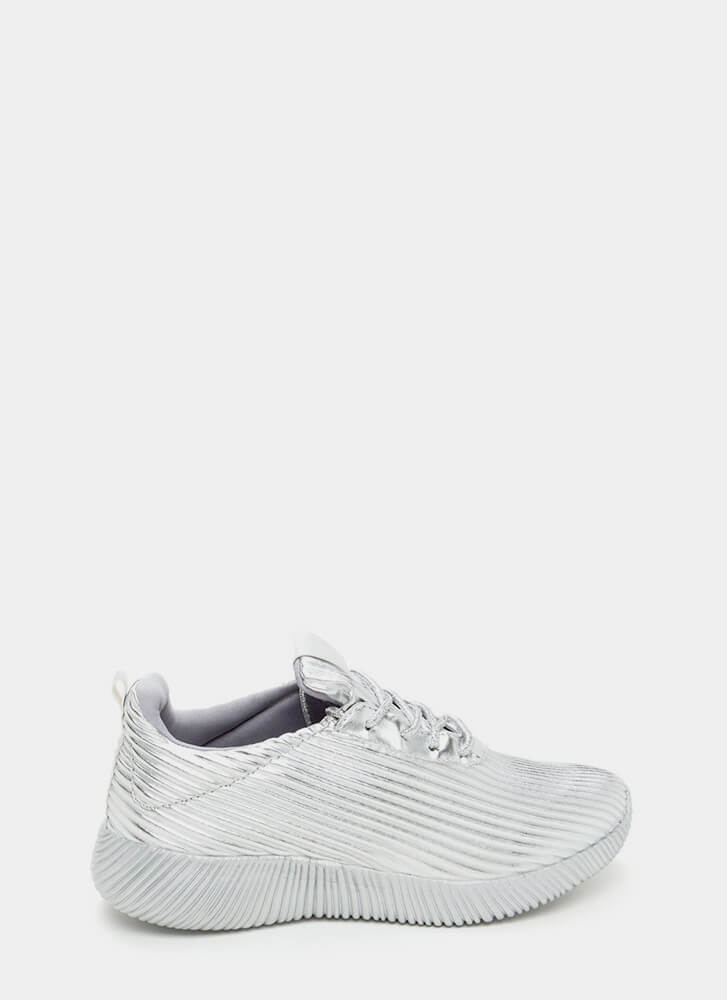 Curves And Ridges Metallic Sneakers SILVER