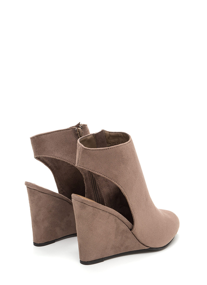 Back At It Again Cut-Out Wedges TAUPE