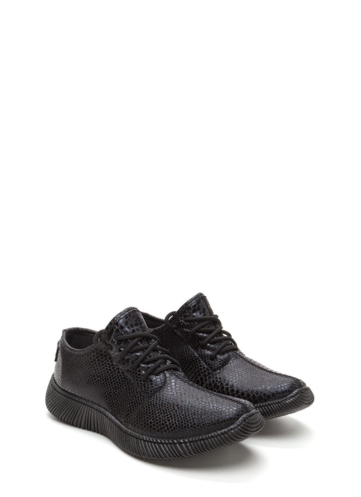 Casual Luxury Shiny Snakeskin Sneakers BLACK