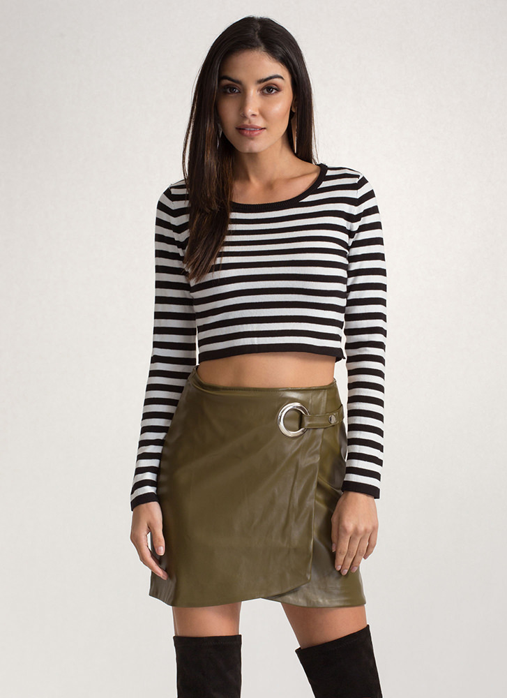 Stay In Line Striped Crop Sweater BLACKWHITE